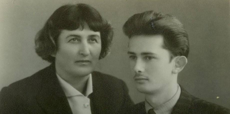 raimundas su mama 1957